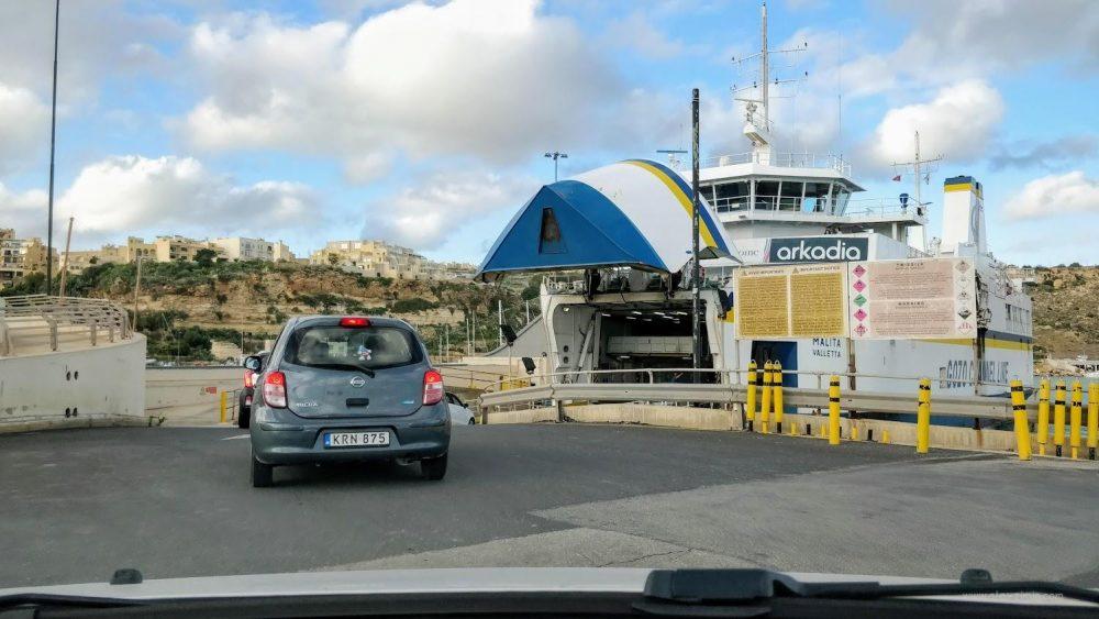 Въезд на паром на острове Гоцо в сторону Мальты