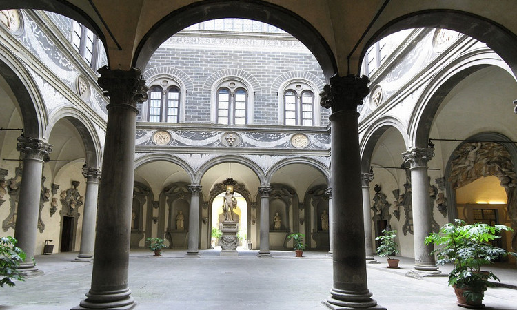 Палаццо Медичи-Риккарди. Внутренний двор