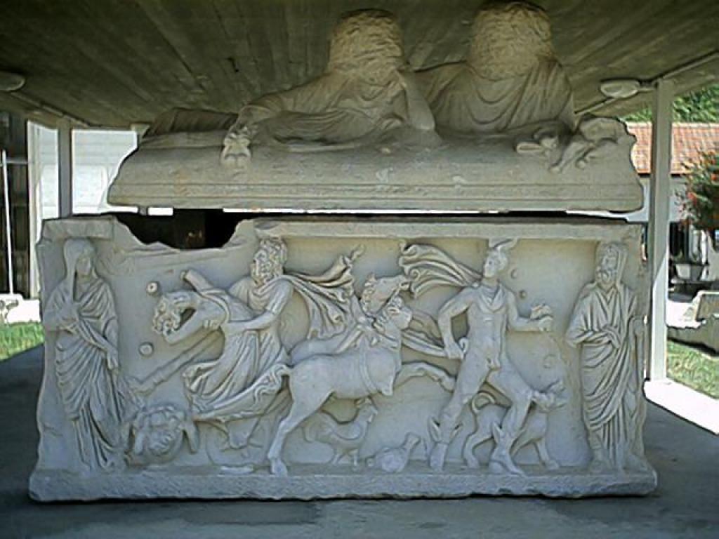 древний саркофаг акшелон