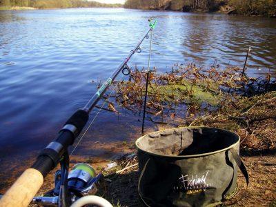 Фидер на реке