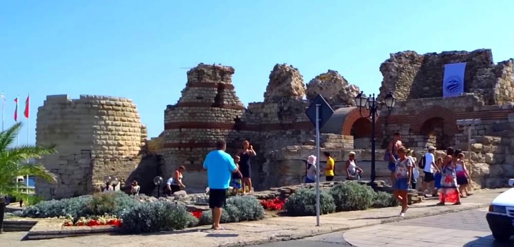 Крепостная стена в Несебре