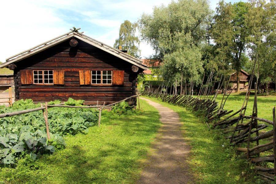 Норвежский народный музей под открытым небом площадью 14 гектаров