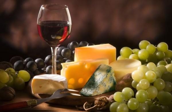 Славится традиционная кухня Сардинии и алкогольными напитками