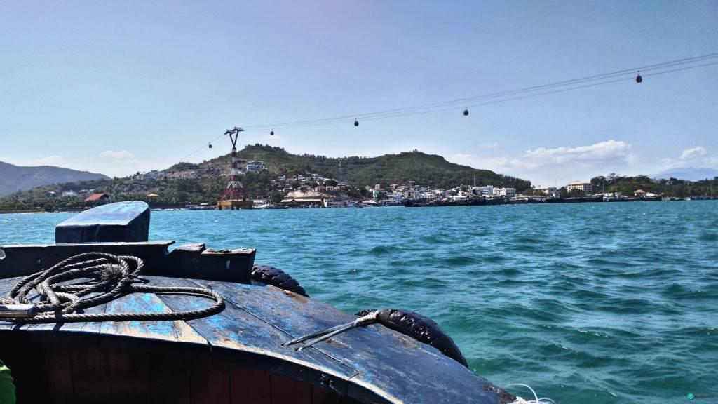 Канатная дорога в Нячанге - вид с нашей лодки